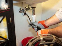 Прочистка канализации при серьезном засоре